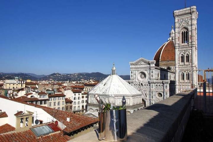 Apartment front Duomo terrace view