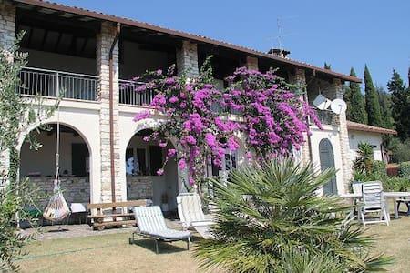 Camera matrimoniale indipendente lago di Garda - San Felice del Benaco - Cabaña