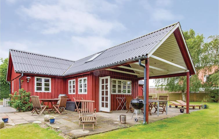 Holiday cottage with 2 bedrooms on 78 m² in Gørlev