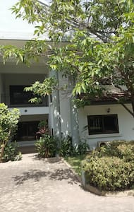 Perfect location lovely house; mod cons; pool&gym - Accra - 连栋住宅