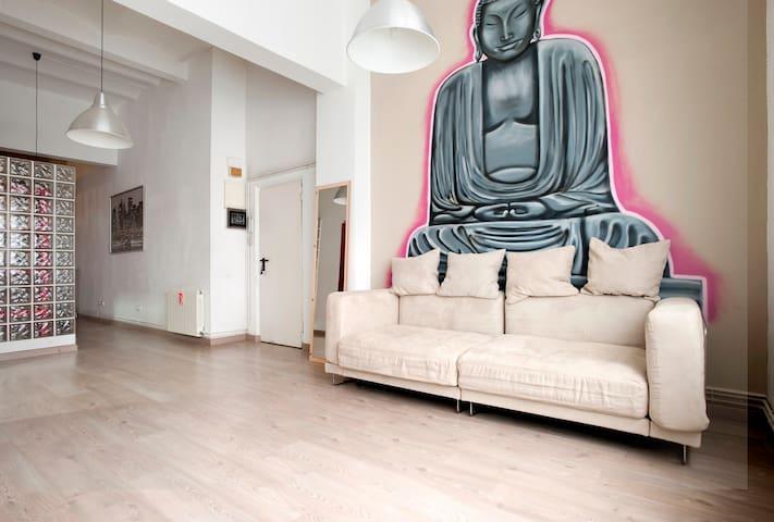 The Buddha 歓迎