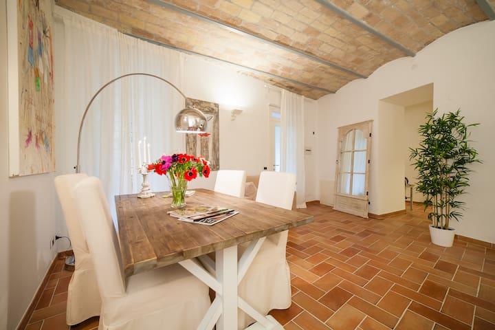 Luxury apartment near Colosseum