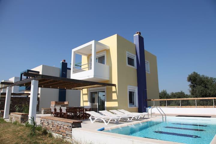 Villa-4,near the beach 'n golf-private pool-garden