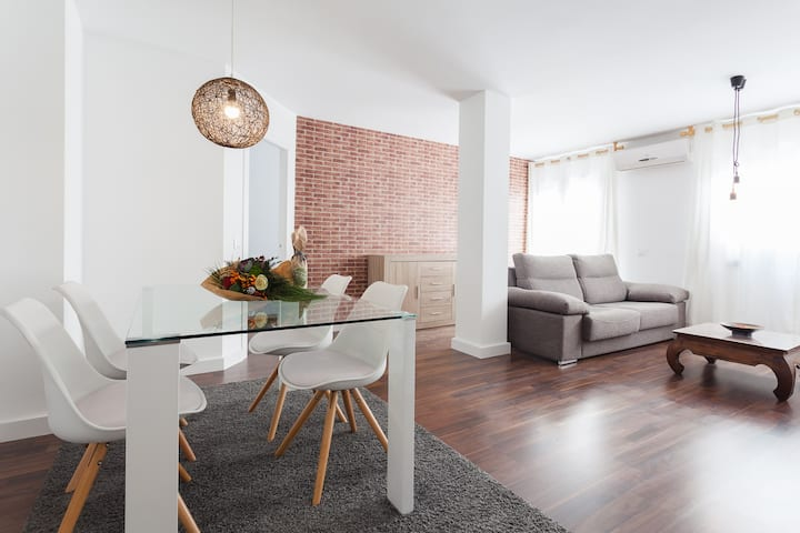 2 bed apartment in the Centre of Girona w terrace