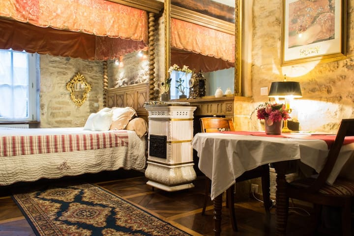 LE PETIT TERTRE : Roman - Digione - Bed & Breakfast