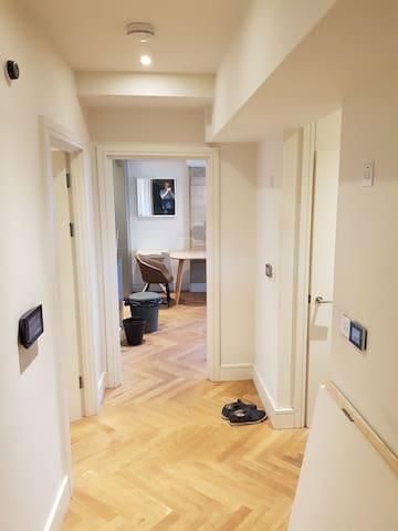 Modern flat. Bedroom ensuite bathroom.