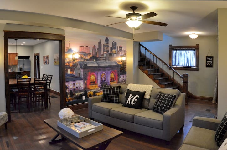 I HEART KC- Beautiful Home Right in the Heart