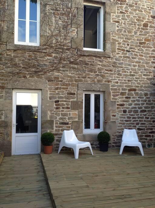 Maison centre bourg d'Arradon sur 2 étages avec terrasse de 40m²
