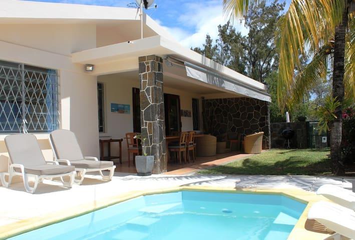 Villa Serin du Cap: sun, sea, pool!