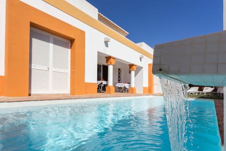 Arabic style villa w/ swimming pool - Albufeira