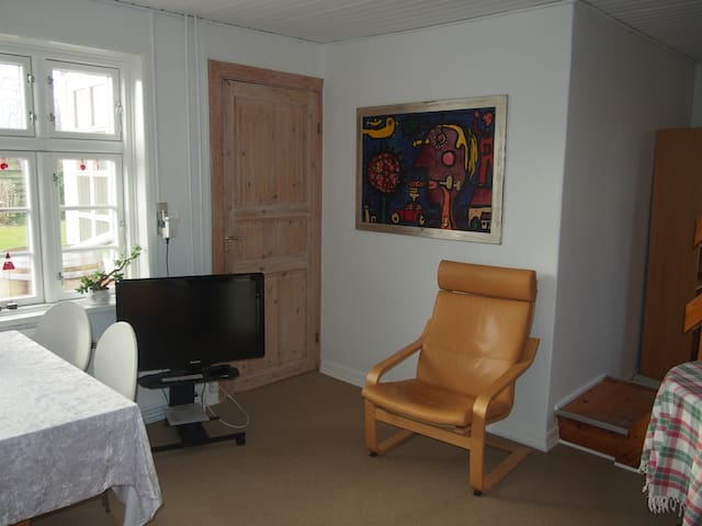 Room 2 - for 3 persons in renovated Aarhus B&B - Risskov - Bed & Breakfast