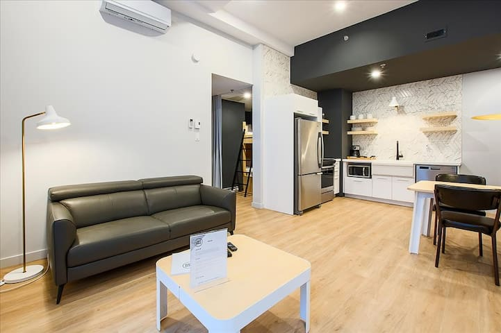 Charming 2-bedroom newly renovated downtown Québec