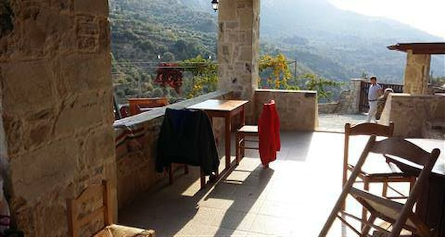 Stone Cottage & Farm with Stunning Views - Zaros - Townhouse