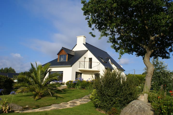 Villa de standing mer 300m,golf 800