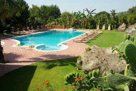 Apartment in villa near sea & pool - Province of Catania