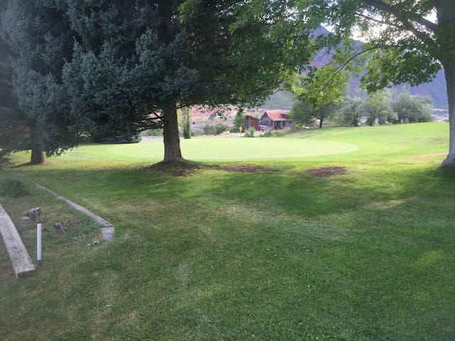 1 bedroom, highest priority to indoor air quality - Glenwood Springs - House