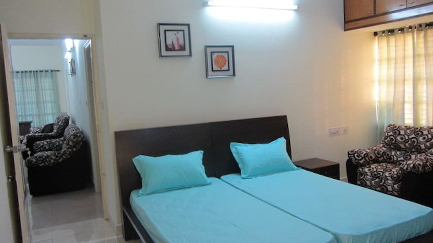 Ecity Luxury Stay Service Apartment