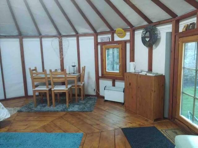 Jefferson's Hideaway Yurt and Massage Studland