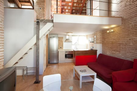 Charming Loft Studio - So Central