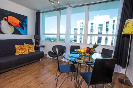 Sunset Miami Beach Studio - Miami Beach