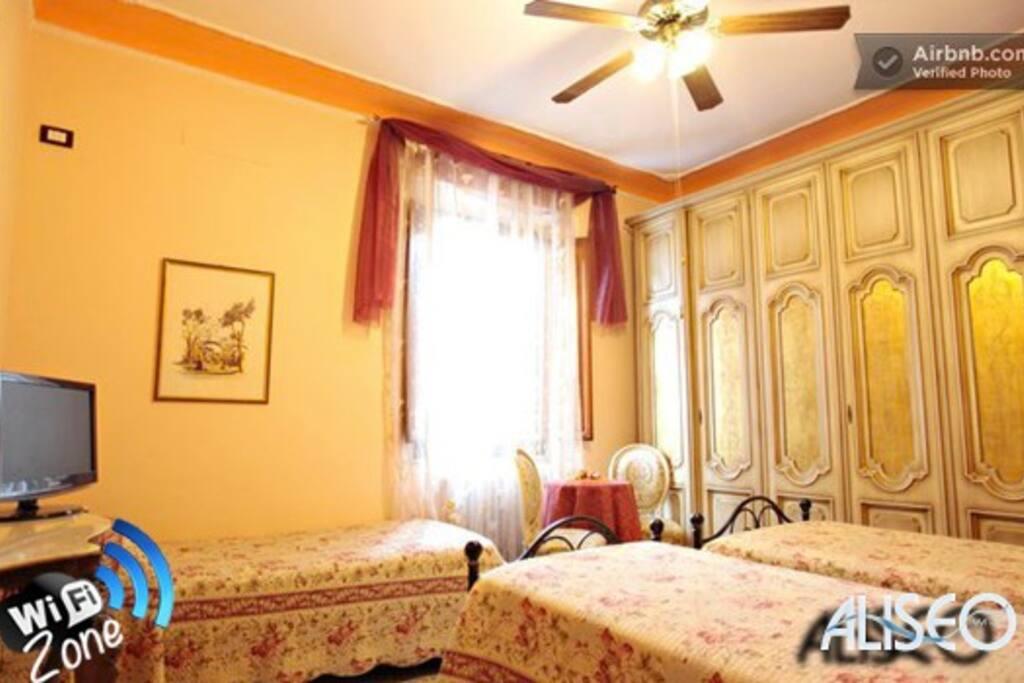 Camera matrimoniale uso singola prezzo a persona for Prezzo camera matrimoniale
