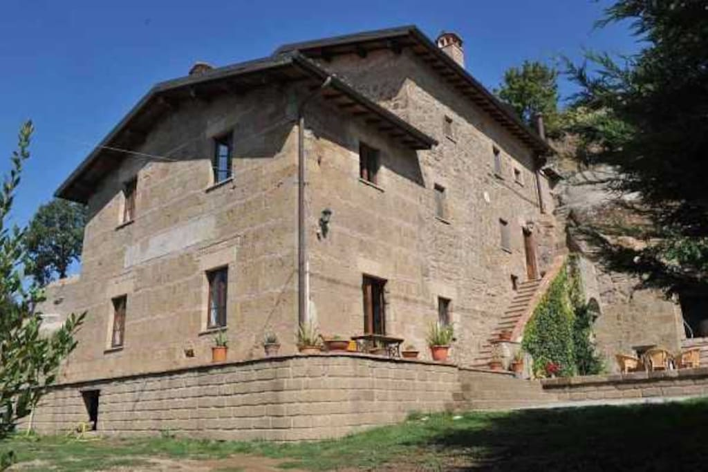 Luxury country house 400 years old houses for rent in for Rent a house in tuscany