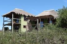 Maracatú and Samba cabins