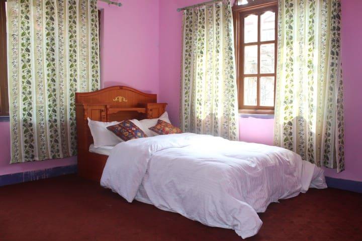 Flat near Nagarjun national park - Bagmati - House