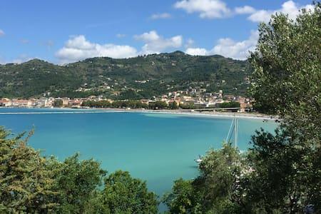 Vacanza tra mare e monti -Villa San Giorgio - Sapri - Hus