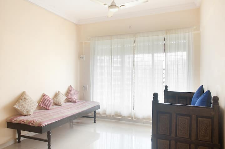 Lovely apt with AC near international airport