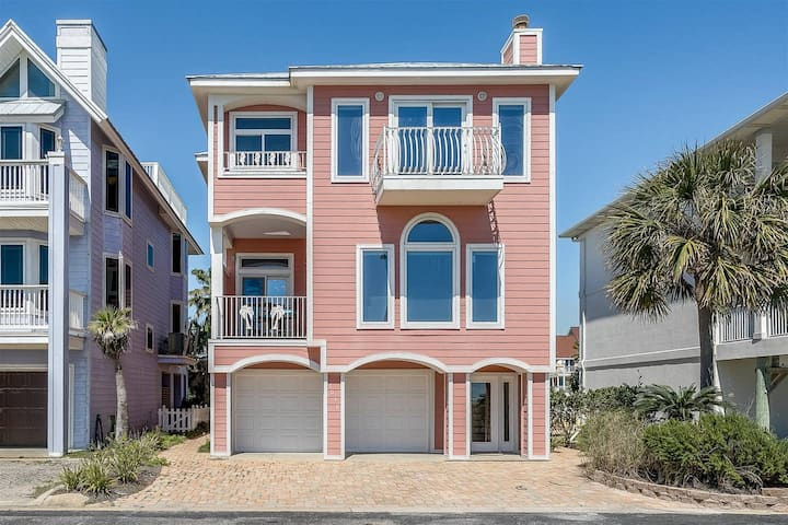 Gorgeous Gulf Front- Canal Home- 4 bedroom- 3 bath