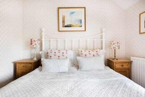 Explore the Jurassic Coast From a Peaceful Country Cottage