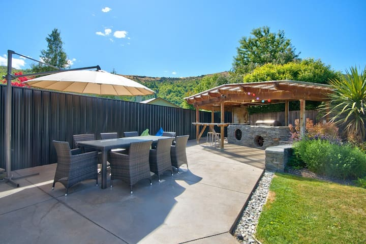 All about the outdoors - Arrowtown - House