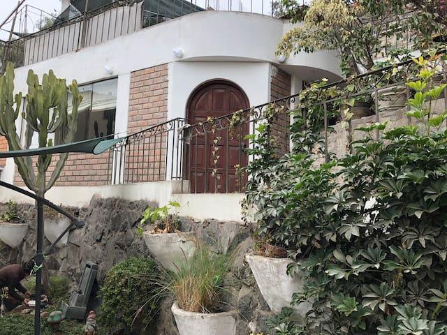 Minidepartamento amoblado en La Molina Vieja