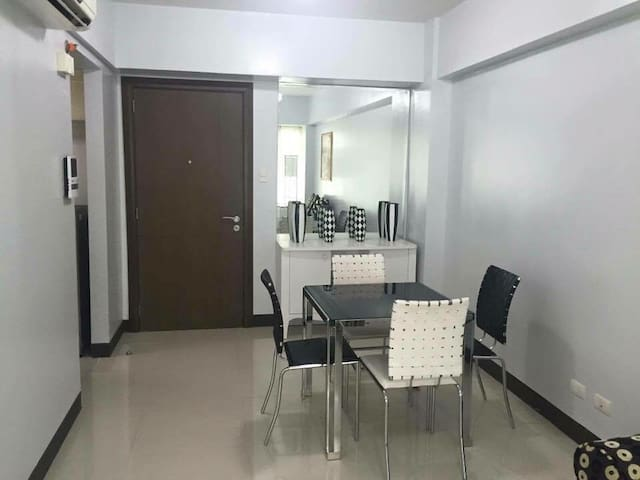 Condo unit with parking - Pasay - Wohnung