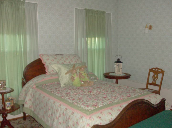 Carter Manor House,The Gabriella room.
