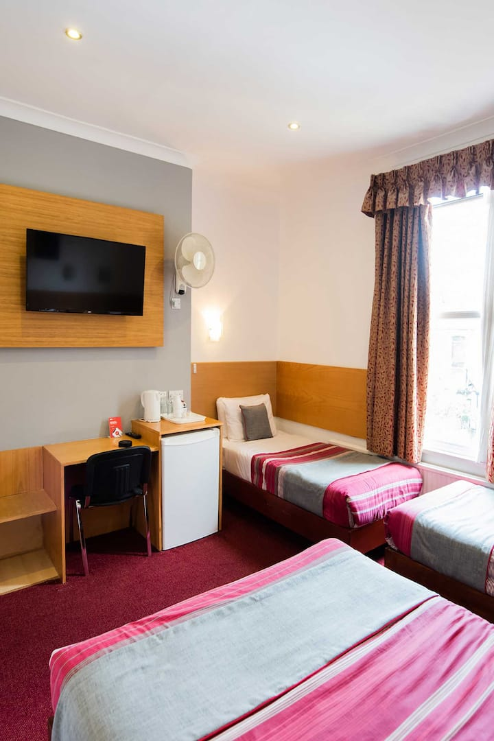 OYO London Guest House, Deluxe Family Room, 5 Beds