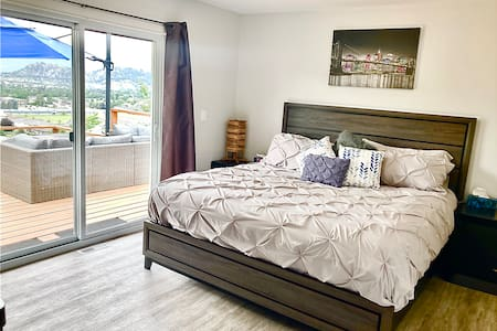 Master Bedroom in Updated Home Hot Tub Deck + View
