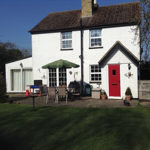 Charming country cottage opposite country pub - Kent - Casa