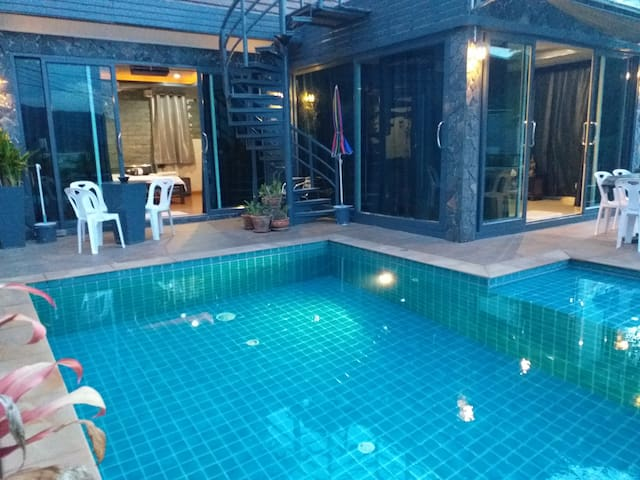PATONG AMAZING VILLA 4 BDRS PRIVATE POOL 8 GUEST