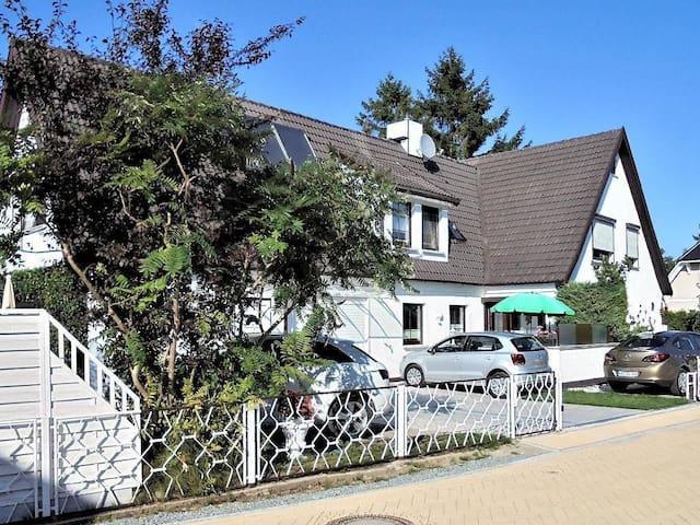 kl. FeWo im Ostseeheilbad 333m z. Strand