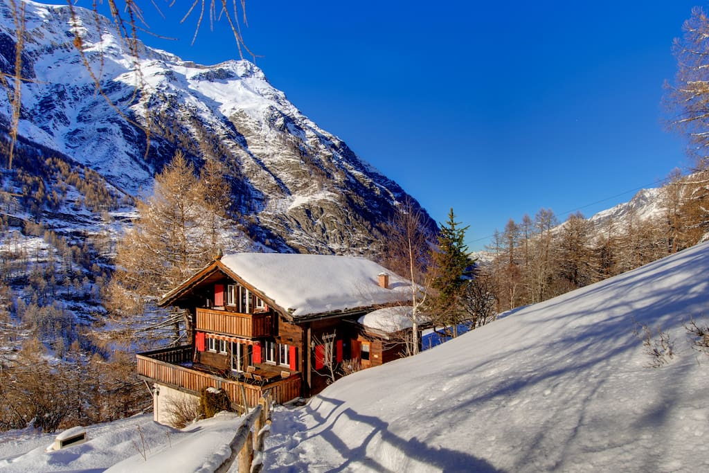 Beautiful old Walliser chalet built in 1933 and renovated in 2014