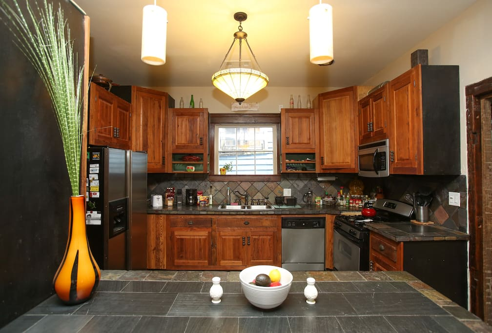 Kitchen with an island, perfect for breakfast!