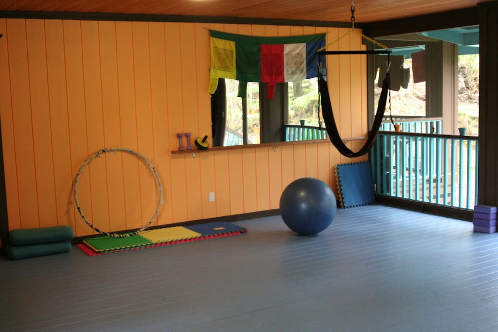 Yoga Studio, fully equipped