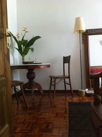 Your room is upstairs and has writing desk cum breakfast table. Overlooks garden and deck.