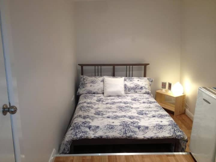 Cosy granny flat close to beaches and transport