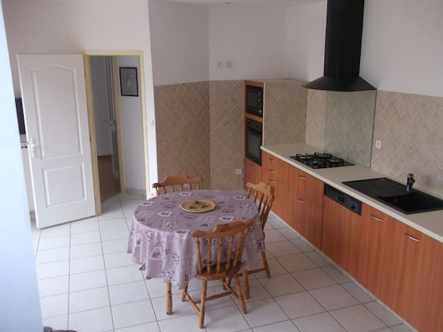 suite dans maison individuelle bien situé - Millau - Huis