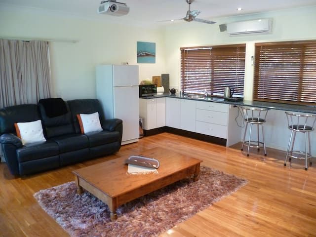 Noosa Retreat amongst Parklands - Tewantin - Apartment