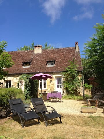 Lou Fournial 1 bedroom holidayhouse near Sarlat