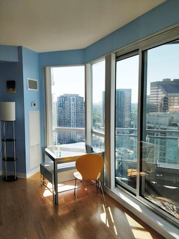 One Bedroom in condo right at Yonge and Finch